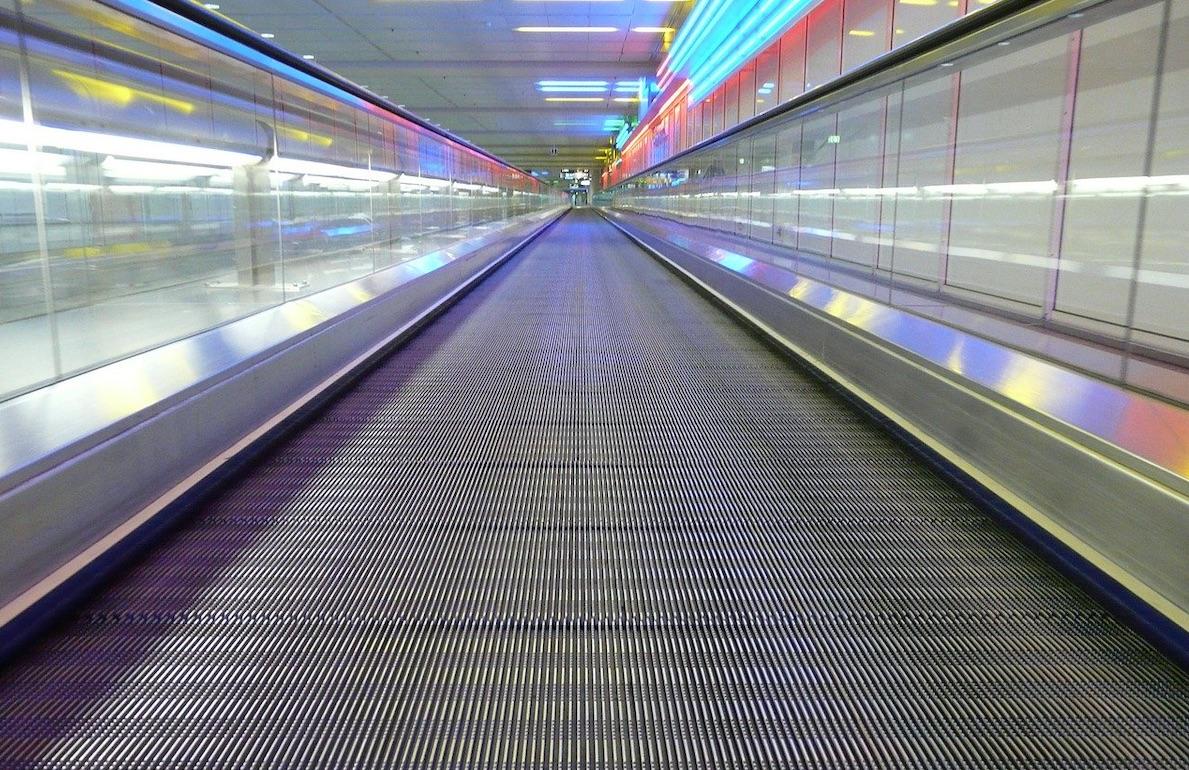airport-walkway